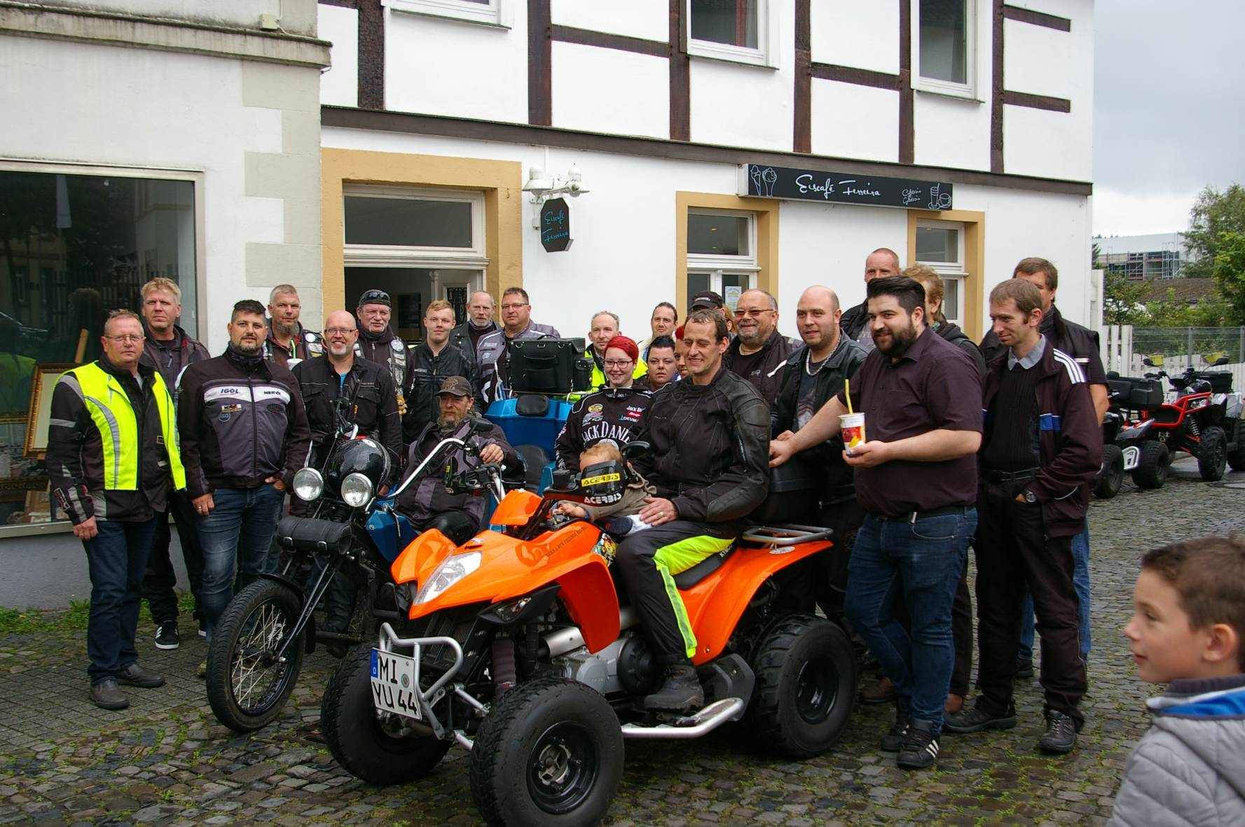 Quadkinder in Pium     (146)